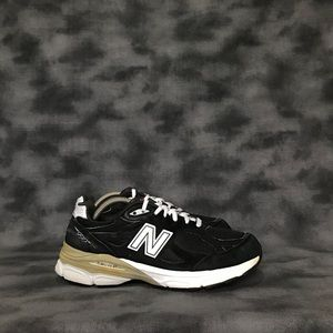 Women's New Balance 990v3 Sneakers